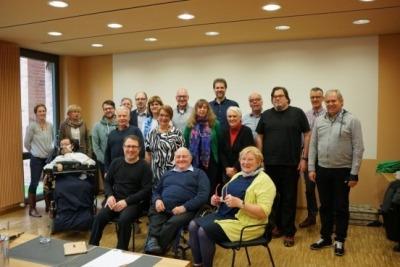 Die GRÜNE Fraktion auf ihrer Tagung in Hagen gemeinsam mit den Gästen.