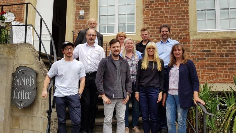 Ausschussmitglieder vor dem Center for Literature-Pressefoto-22-6-2018