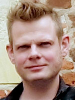 Kai-Michael Meyer vor dem Esche