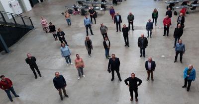 Fraktionsmitglieder von oben fotografiert in der Gebläsehalle der Henrichshütte Hattingen